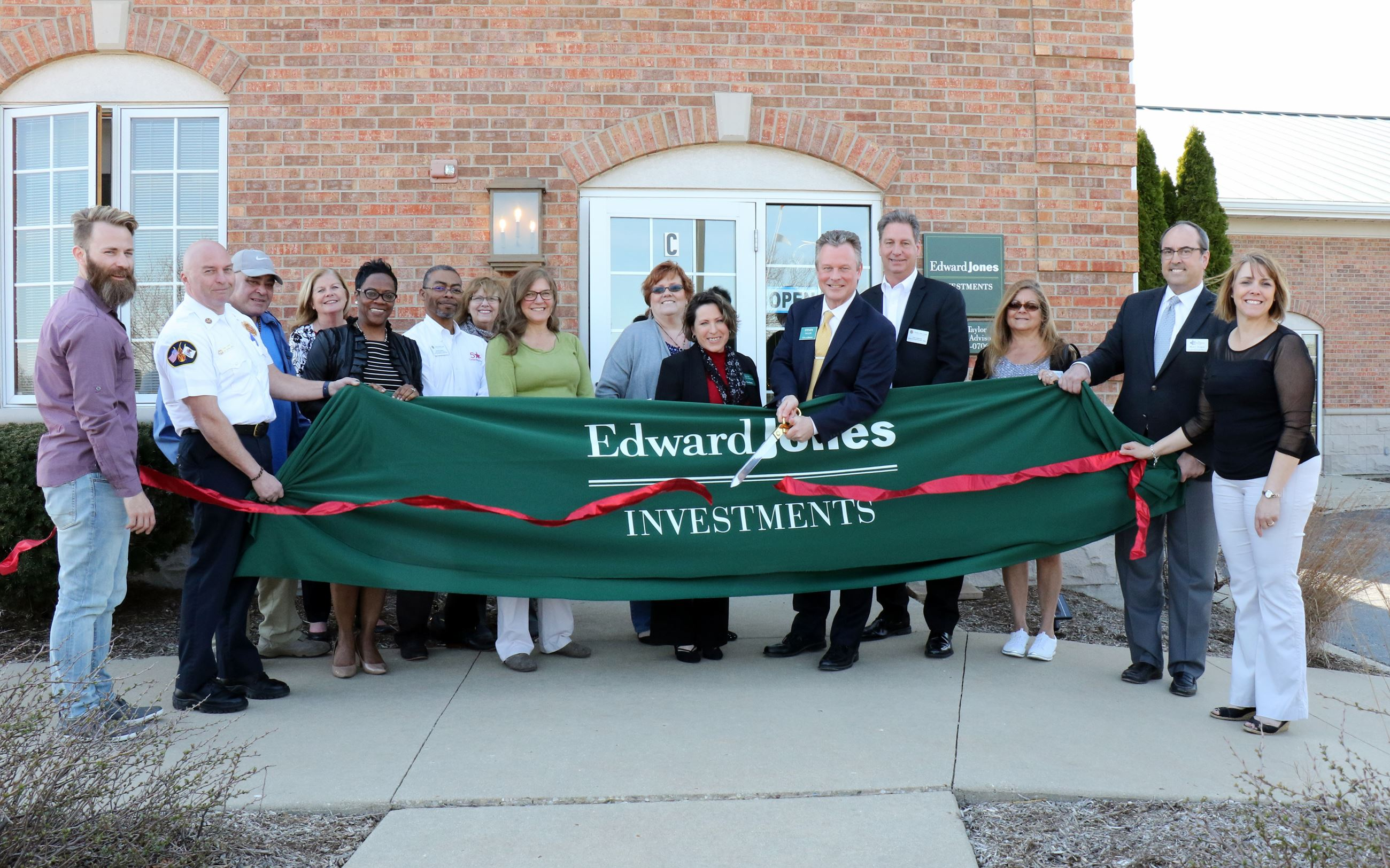 Edward Jones Ribbon Cutting